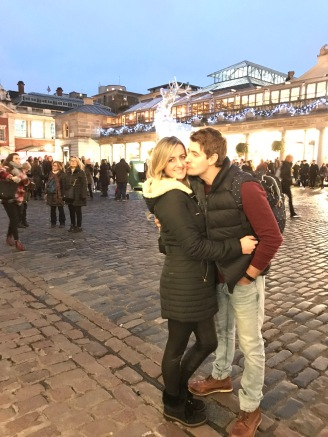 covent_garden_kiss